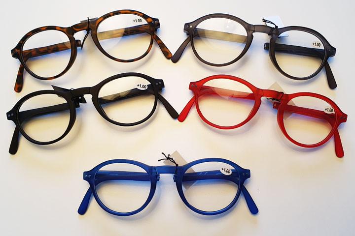 Foldbare læsebriller i farver der matcher de fleste outfit.10