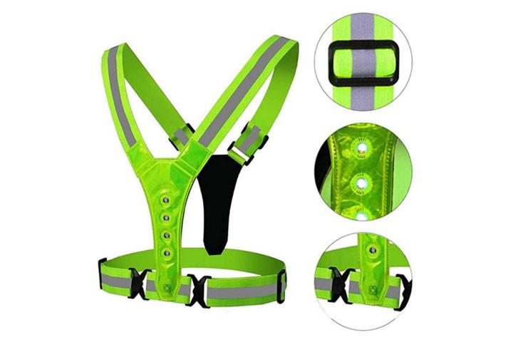 Den højest effektive refleksvest med LED-lys kommer i en flot neon grøn-farve2