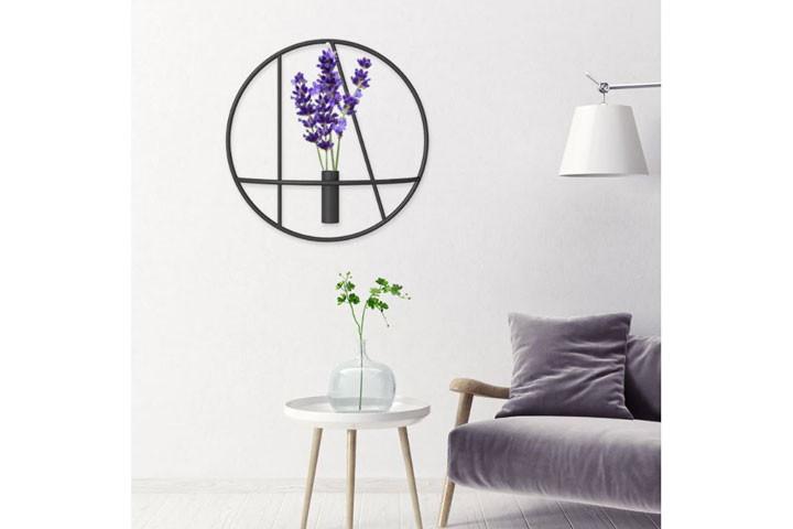Væghængte lysestager som giver et klassisk udtryk i hjemmet2