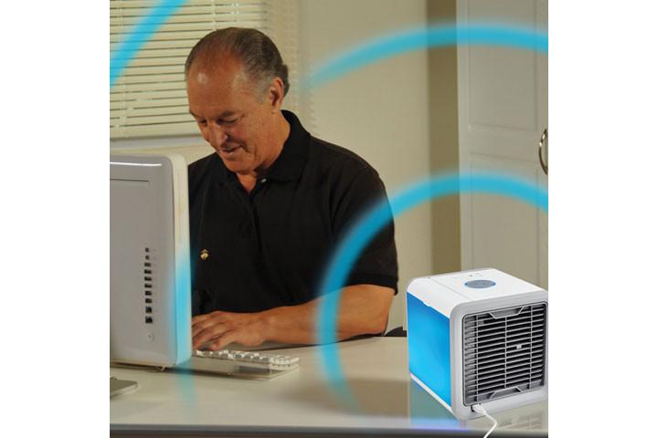 Mini Air Cooler, der køler luften ved hjælp af vanddamp8