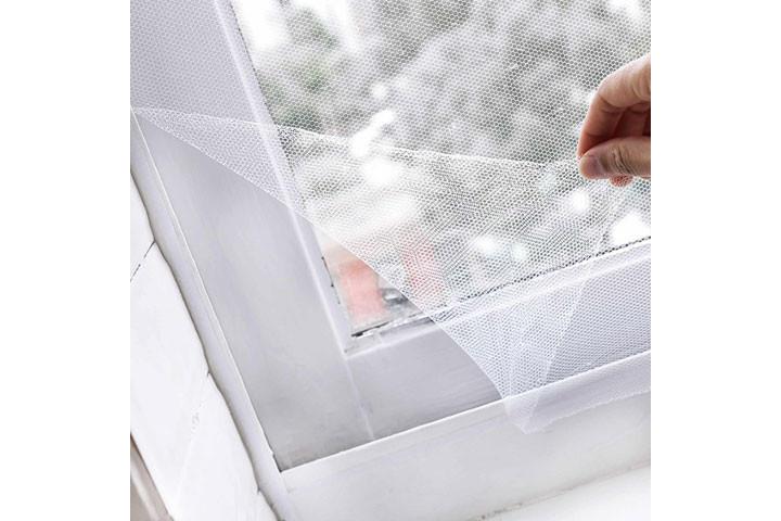 2 stk. myggenet til vinduerne der nemt påføres med det medfølgende velcrobånd3