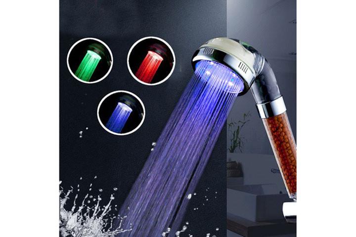 Brusehovede med skiftende lys alt efter vand temperaturen4