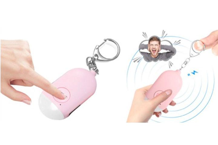Overfaldsalarmen er en nøglering, der udsender en høj lyd, hvis du er utryg1