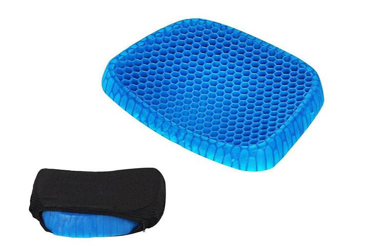Siddemåtten i gele har et ergonomisk korrekt design og passer til de fleste stole7