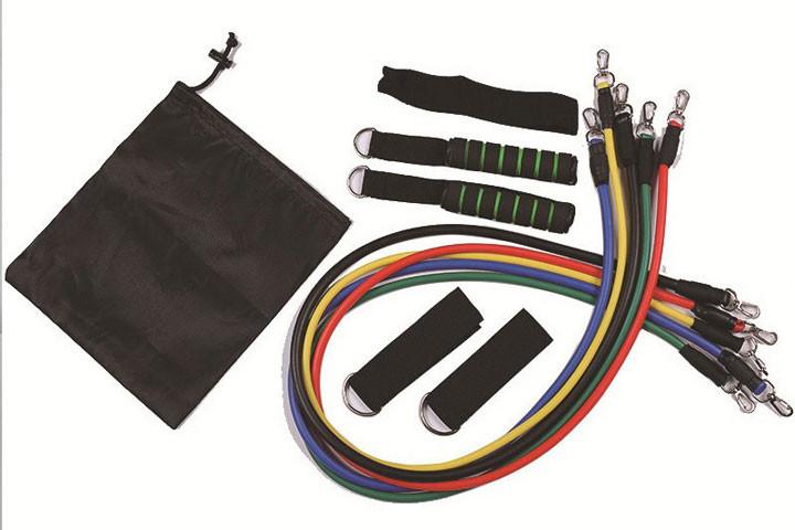 De elastiske træningsbånd giver en modstand på mellem 4,5 og 13, 6 kg5