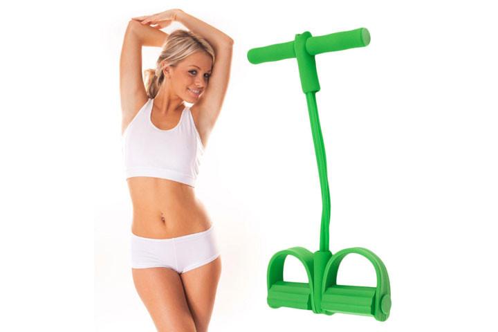 Træningselastikken har både håndtag og fodstøtte, der sikrer dig optimalt udbytte af din træning8